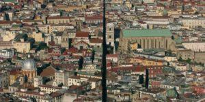 Spaccanapoli la strada che divide Napoli in due