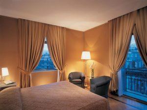 Interno della camera del Hotel Vesuvio Napoli