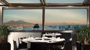 Ristorante con vista vesuvio all' Hotel Romeo Napoli