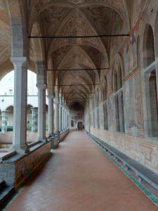 Corridoio del -chiostro di Santa Chiara a Napoli
