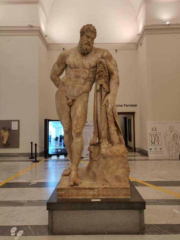 Il Museo Archeologico di Napoli MANN dove si trova