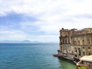 Spiagge a Napoli il Palazzo Donn'Anna
